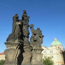 statua lato Città Vecchia