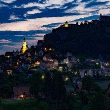 Riegersburg in notturno