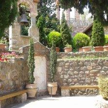 cortile-monastero