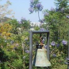 campana tra le giacarande