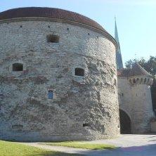 Margherita la Grassa con la porta delle mura