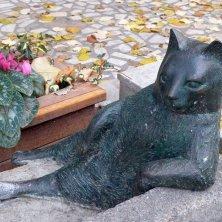 statua Tombili