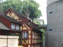 accesso al vecchio castello