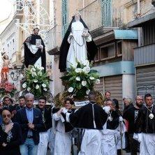 altri Santi in processione