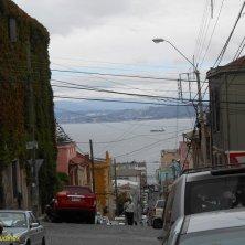 strade in discesa verso il porto