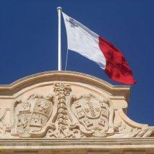 fregio e bandiera di Malta