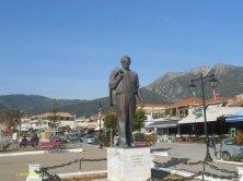 statua di Onassis a Nidri