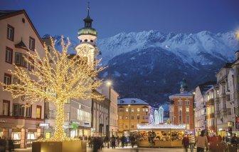 (c)InnsbruckTourismus_Christkindlmarkt Innsbruck Maria-Theresien-Stra+ƒe