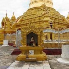 Mandalay pagoda oro