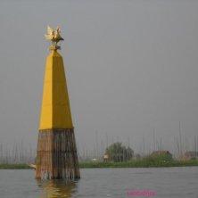 palo sul lago Inle