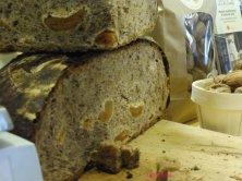 pane albicocche e noci