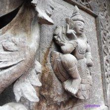 portale legno palazzo reale