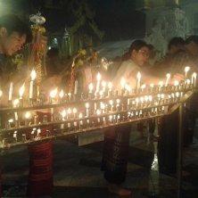 lucine accese alla Shwedagon