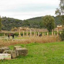 tempio Artemide nella vegetazione