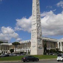 piazza Marconi e obelisco
