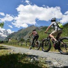 in bici Valle di Cogne