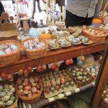 bancarella uova dipinte Voronet Bucovina