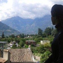 statua di Sissi che guarda panorama Giardini di Trauttmansodorff