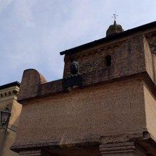 Arquà Petrarca-Tomba del Petrarca-V.Galuppo