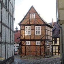 casa in mezzo alla piazza a Quedlinburg