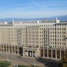 veduta palazzi architettura su Karl Marx Alle Berlino