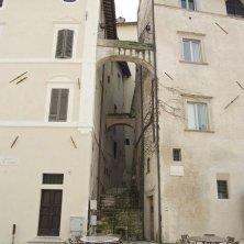 spoleto-piazza-del-duomo-centro-storico