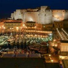 porto Castel dell'Ovo in notturno