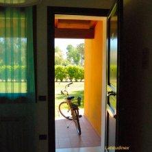 Albarella_bici e giardino_phVGaluppo