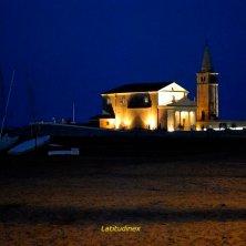 Caorle_veduta notturna sul Santuario Madonna dell'Angelo_phVGaluppo