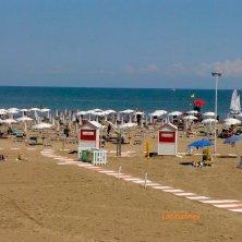 Caorle_veduta sulla spiaggia da Hotel Sara_phVGaluppo