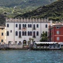 Palazzo Capitani dal Lago 01