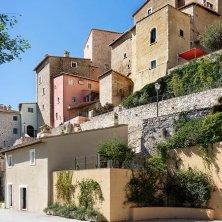 scorcio di Castello di Postignano