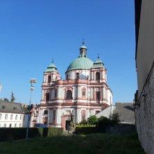 basilica San Lorenzo e Santa Zdislava via Sacra