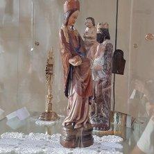 replica statua Madonna del Duecento