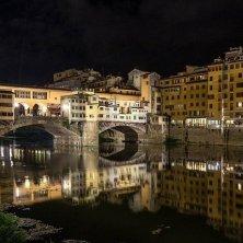Arno e ponte Vecchio fantasmi di Firenze
