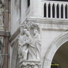 sculture facciata Palazzo Ducale