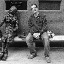 Antonio Ranalli con Eleonor Rigdy statua