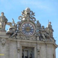 orologio facciata basilica