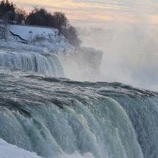 Niagara ghiacciate