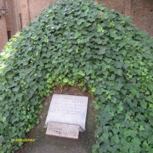 lapide ricordo Dante a Ravenna
