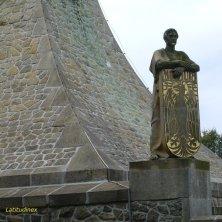 dettaglio monumento Austerlitz