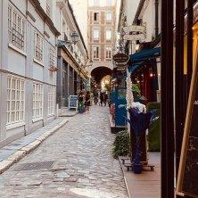 strada quartiere Latino Parigi Baudelaire