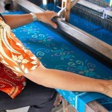 telaio batik indonesiano