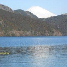Fuji riflesso sul lago
