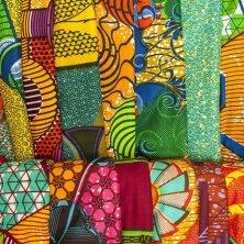 colori e stoffe in vendita