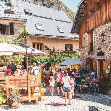 ©Les 2 Alpes_Venosc village_Luka Leroy estate a Les 2 Alpes