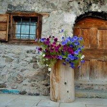 Fornesighe_entrata di una casa_fotoEVallarin autunno in Val di Zoldo