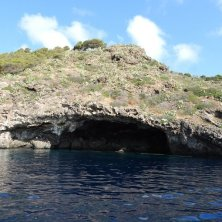 grotta immersione isola