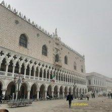 palazzo ducale con nebbia Venezia misteriosa