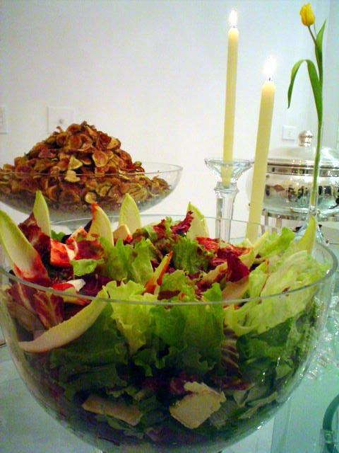 Salada Verde com Lascas de Brie e Molho de Mostarda e Mel
